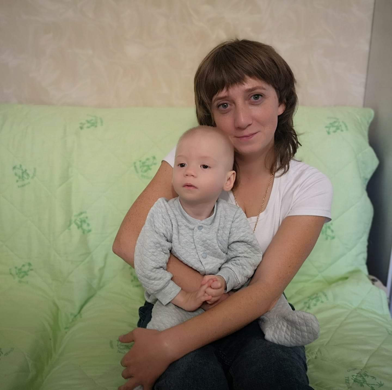 Сережа с приемной мамой Ольгой