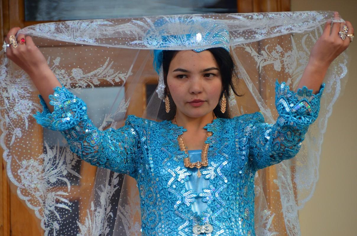 то, что фото узбекских невест это